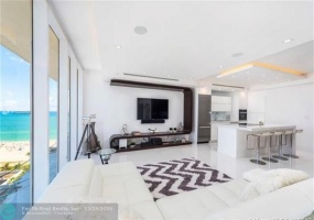 100 Lincoln Rd, Miami Beach, Florida 33139, 2 Bedrooms Bedrooms, ,2 BathroomsBathrooms,Rental,For Rent,Lincoln Rd,F10255039