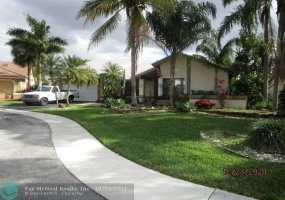 1260 101st Ave, Plantation, Florida 33322, 4 Bedrooms Bedrooms, ,2 BathroomsBathrooms,Residential,For Sale,101st Ave,F10263133